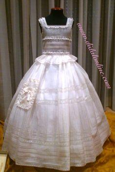 Enaguas de María Girls Dresses, Flower Girl Dresses, Hoop Skirt, Heirloom Sewing, Aaliyah, Collars, Chic, Wedding Dresses, Skirts