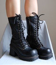 The 1990s goth faux leather lace up chunky heels platform boots size US 8