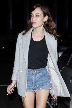 Alexa Chung (MN - cute cut-offs w/dressy tank and Blazer) Daily Alexa Chung, Alexa Chung Style, Look Fashion, Girl Fashion, Fashion Outfits, Fashion Styles, Moda Oversize, Looks Style, Style Me
