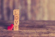 Confus au sujet de l'amour | Le Blog Comprendre l'Amour Love Quotes In Urdu, Best Love Quotes, Romantic Love Quotes, Urdu Quotes, Islamic Quotes, Happy Valentine Images, Love Valentines, Valentine Ideas, Valentine's Day Origin