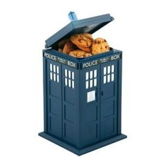 Doctor Who Tardis Cookie Jar W/Lights and Sounds