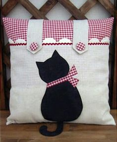 Ideas For Crochet Cat Pillow Cushion Covers Sewing Pillows, Diy Pillows, Decorative Pillows, Throw Pillows, Pillow Ideas, Cushion Ideas, Fabric Crafts, Sewing Crafts, Sewing Projects