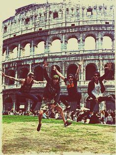 Pierce The Veil. In ITALY I.T.A.L.Y. THAT'S ROME WAAAH JsksjksjkwjsnwAJSIWISJAIKSNDKOSJXJZSKWKA