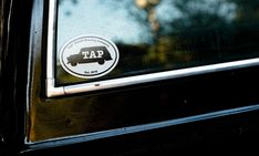 Tap Truck USA - Beer trucks for your next event Classic Trucks, Classic Cars, Bar On Wheels, Bar Catering, Mobile Bar, Wedding Rentals, Old Trucks, Craft Beer, Brewing