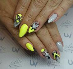 Top 150 ideas for Yellow Nail art designs - Reny styles Bright Nails, Neon Nails, Diy Nails, Gel Manicure, Pedicure, Yellow Nail Art, Neon Yellow, Nailart, Geometric Nail Art