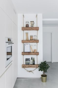 DIY shelf: shelf made of old wood to do it yourself with instructions- DIY Regal: Regal aus Altholz zum Selbermachen mit Anleitung DIY shelf: shelf made of old wood to do it yourself with instructions - Diy Home Decor, Room Decor, Diy Regal, Old Wood, Home Renovation, Floating Shelves, Sweet Home, Furniture, Do It Yourself