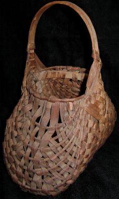 Primitive Hand Woven Egg Basket Buttock Basket Fanny
