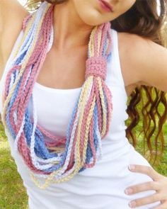 Crochet necklace 2