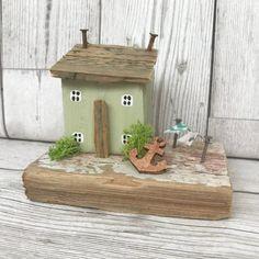 Green Driftwood Art Wooden House with Anchor Driftwood Decor
