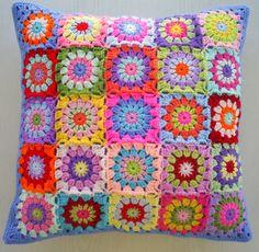the patchwork granny square cushion cover por handmadebyria en Etsy, $40.00