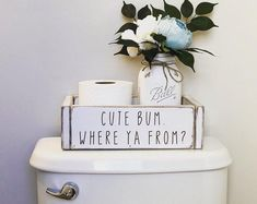 35 Adorable DIY Shell Projects for Beach Inspired Decor - The Trending House Bathroom Box, Boho Bathroom, Bathroom Humor, Bathroom Signs, Bathroom Colors, Small Bathroom, Bathroom Storage, Bathroom Ideas, Bathroom Furniture