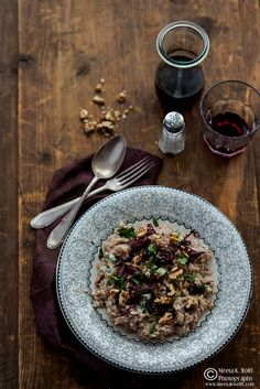 "[NEW on WFLH] My goals for 2014 all under the theme ""CONNECT"" & a Red Wine Risotto w/ Roquefort Radicchio & Walnuts: ht.ly/sBmHc"