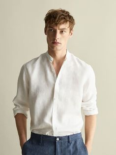 The most elegant men's shirts at Massimo Dutti. Discover Spring Summer 2019 striped, checked, oxford, knit, denim or cotton shirts for a contemporary style. Stylish Men, Men Casual, Grandad Collar Shirt, Concept Clothing, Outfits Hombre, Man Dressing Style, Herren Outfit, Mens Clothing Styles, Menswear
