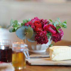Idée n°5 pour un beau bouquet : utilisez la vaisselle du quotidien