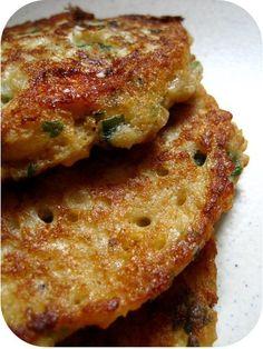 Salee recipe # Oatmeal feta and parsley pancakes Time 4 tea? Veggie Recipes, Baby Food Recipes, Salad Recipes, Vegetarian Recipes, Cooking Recipes, Healthy Recipes, Snacks To Make, Easy Snacks, Feta
