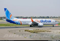 Boeing 737-8KN aircraft picture