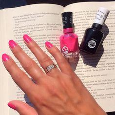 A sunny day calls for a sunny color  #nailpolish #nails #sallyhansen