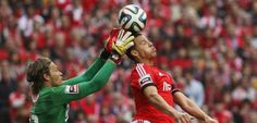 :.: Lima derrubou o muro - Benfica - Jornal Record :.: