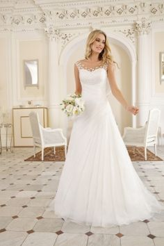 Ladybird wedding dresses are exclusively designed by Ladybird. The wedding dresses are affordable and there is a matching model for every figure. The post Ladybird wedding dresses are exclusively styled … appeared first on Garden ideas. Wedding Dress Tea Length, Bridal Wedding Dresses, Dream Wedding Dresses, Bridesmaid Dresses, Plus Size Wedding, Wedding Styles, The Dress, Vintage Dresses, Beautiful Dresses