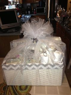 bridal shower gift ideas for how to put a basket like this