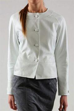 Коллекция кожаных женских классических пиджаков