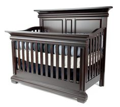 MUNIRÉ CONVERTIBLE CRIB & SOPORA CRIB MATTRESS