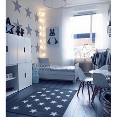 wonderful boys room..