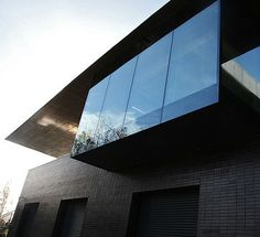 The Univ Boathouse Clubroom is situated on the southern bank of River Thames; fully accessible and peaceful with stunning views over the river ideal for away days and team meetings. Further info at: univ. Conference Facilities, Over The River, River Thames, Boathouse, Meet The Team, Oxford, Southern, University, College