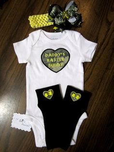 Army baby girl outfit- If only I knew if you were having a girl or boy!! @Natosha Ledbetter Clark