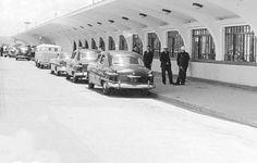 ESTACIONAMENTO AEROPORTO DE CONGONHAS 1960 - CHEVROLET IMPALA 1958, FORD 1949, FORD TUDOR SEDAN 1951
