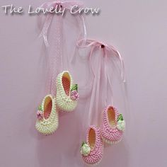 Baby Ballet Slippers $ ~via the Lovely Crow (she has the best pattern for the soles on booties!)