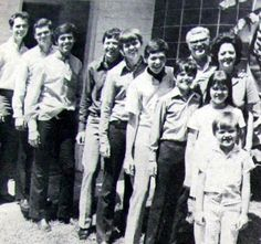 Kids: Virl, Tom, Alan, Wayne, Merrill, Jay, Donny, Marie, & Jimmy.  Mother & Father Osmond