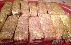 Jak snadno a rychle připravit občerstvení pro návštěvu? Kynuté těsto jako na pizzu obohacené o strouhaný sýr a na vrch směs zakysané smetany, sýra a sladké mleté papriky. Vynikající párty jídlo, které při oslavě padne vhod. Autor: Triniti Snacks Für Party, Banana Bread, Buffet, Meal Prep, Brunch, Yummy Food, Beef, Meals, Cooking