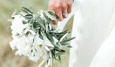 ramo-olivo Santorini Wedding, Wedding Bouquets, Greenery, Herbs, Day, Plants, Blog, Weddings, Bridal Gowns