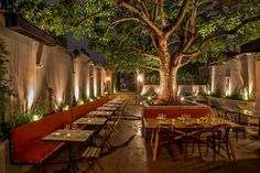 Explore the best Sensational Designs of Garden Restaurant Interior at The Architecture Design. Visit for more ideas about garden Restaurant Design. Outdoor Restaurant Patio, Deco Restaurant, Outdoor Cafe, Outdoor Dining, Otium Restaurant, Italian Restaurant Decor, Restaurant Lighting, Outdoor Pool, Outdoor Spaces