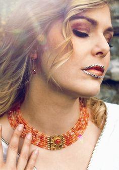 Wunderschöne trachtige und zeitlose Halsketten, Ohrringe und Ringe passend zum Schmuck findest du in unserem Online-Shop. Ballerinas, Schmuck Online Shop, Beaded Necklace, Jewelry, Fashion, Fall Jewelry, Carnelian, Handmade Jewellery, String Of Pearls