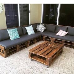 Pallet Outdoor Furniture One of our custom L-shaped day beds. Diy Pallet Couch, Pallet Daybed, Pallet Patio Furniture, Recycled Furniture, Wood Furniture, Pallet Couch Outdoor, Pallet Sectional, Outdoor Seating, Furniture Projects