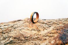 Walnut and Ebony bentwood ring. Handcrafted Jewelry, Rings For Men, Etsy Seller, Jewelry Design, Wedding Rings, Engagement Rings, Jewellery, Crafts, Handmade Chain Jewelry