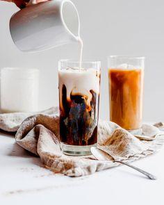 Vanilla and Cinnamon Coffee Creamer – The Wooden Skillet Vanille-Zimt-Kaffeesahne – Die Holzbratpfanne Dairy Free Coffee Creamer, Vanilla Coffee Creamer, Cinnamon Coffee, Paleo Creamer, Clean Coffee Creamer, Coffee Creamer Recipe, Paleo Whole 30, Whole 30 Recipes, Whole 30 Coffee
