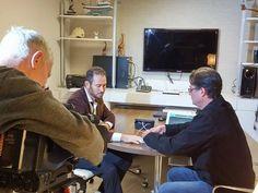 Snowboarder Andre Cintra durante entrevista à TV Globo. Ao lado, o psicólogo esportivo Eduardo Cillo.