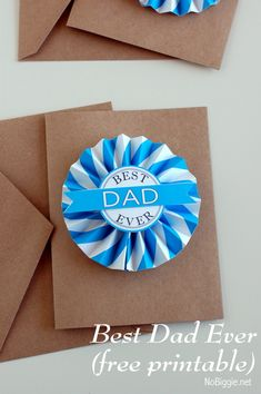 {Fathers Day Printable medallion - free printable from NoBiggie.net} going to add some ribbon and a pin to this and let Dad wear it all day!