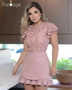 Moda Outfits, Chic Outfits, Fashion Outfits, Frocks For Girls, Dress Images, African Fashion Dresses, Blouse Dress, Chic Dress, Types Of Fashion Styles