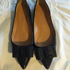 Beutiful j.crew navy shoes Worn 3 full time!!! It has small scratch in front, you can sue the second photo! No trade/pp J. Crew Shoes Flats & Loafers