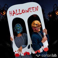 Photocall para la noche de Halloween con forma de Calavera.