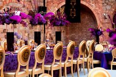 purple-gold-wedding-decor-castillo-di-amorosa-3.jpg (645×430)