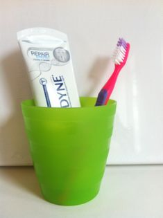 A Guide to Surviving Orthognathic Surgery: Brushing Your Teeth After Jaw Surgery