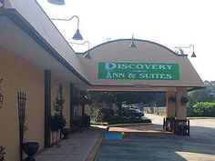Lafayette (LA) Discovery Inn and Suites Lafayette United States, North America Located in Lafayette Airport, Discovery Inn and Suites Lafayette is a perfect starting point from which to explore Lafayette (LA). Both business travelers and tourists can enjoy the hotel's facilities and services. Take advantage of the hotel's free Wi-Fi in all rooms, 24-hour front desk, facilities for disabled guests, Wi-Fi in public areas, car park. Designed for comfort, selected guestrooms offer...
