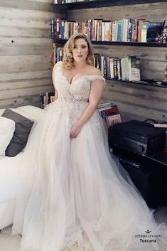 Toscana - Studio Levana Available at All My Heart Bridal Plus Size Bride Plus Size Wedding Dress Studio Levana Curvy Babe 2019 Collection Western Wedding Dresses, Princess Wedding Dresses, Dream Wedding Dresses, Boho Wedding Dress, Bridal Dresses, Tulle Wedding, Curvy Wedding Dresses, Halter Dresses, Bridesmaid Dresses
