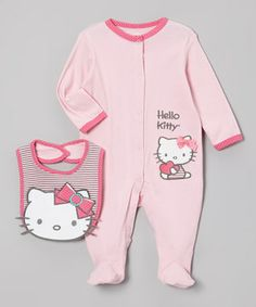 Crafted from soft cotton, this sweet set is the cat's meow! An absorbent bib protects little ones from dinnertime spills, while the playful footie cuddles them in comfort. Whatever their day brings, there's no better friend for a little darling than Hello Kitty.