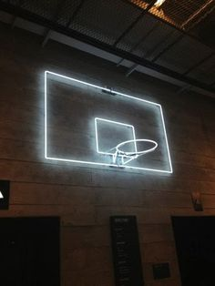Play in the Dark: Neon basketball hoop ! This is perfect with the neon balls and gloves ! We have to do it senior year one time S Upchurch Taylor Richardson Francine Stepp Bühnen Design, Sport Bar Design, Interior Design Trends, Hoop Dreams, All Of The Lights, Neon Lighting, Light Art, Pop Up, Signage